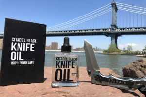knife oil and lube